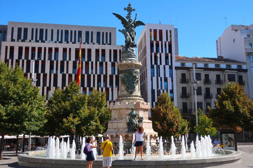 Statue in Zaragoza, Spain