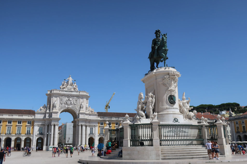 Statue and stuff in Lisbon